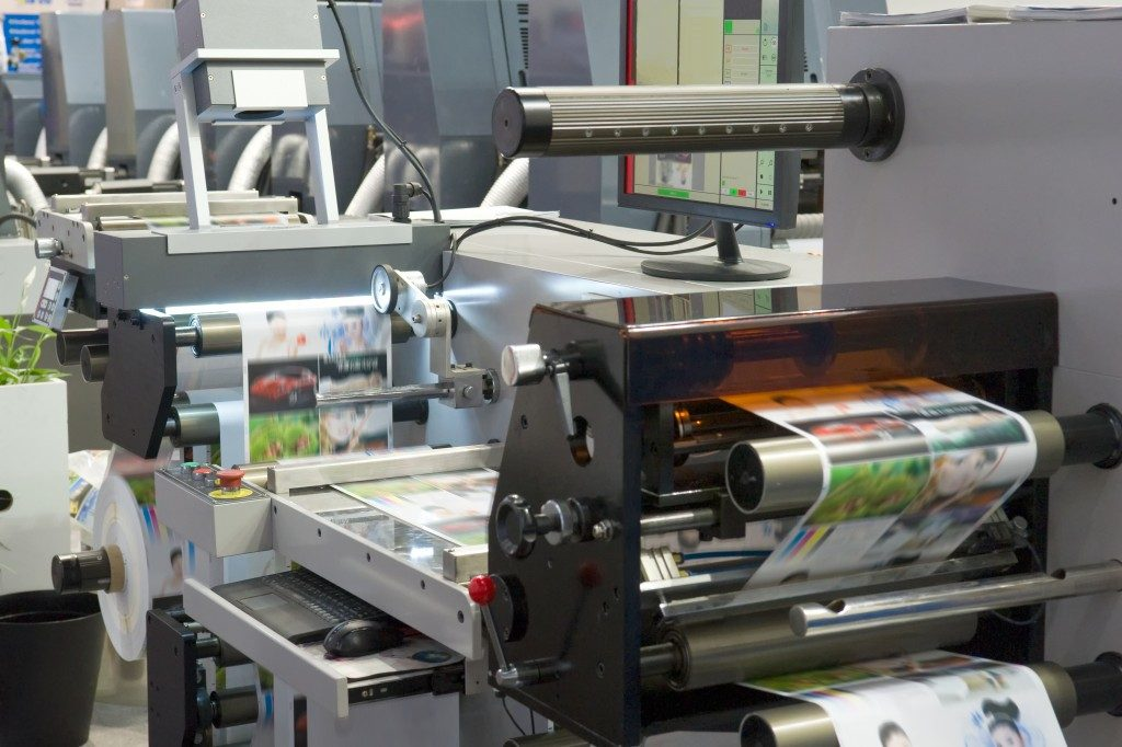 Photo printing machine in action
