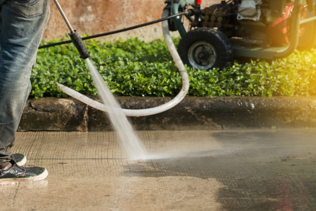 Spraying water to the ground